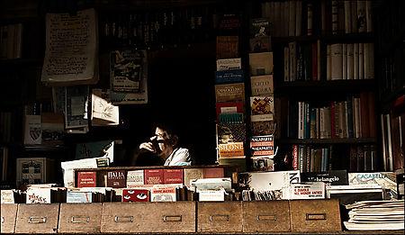 Italy_rome_book-seller