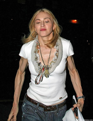 Madonna_guns2