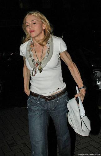 Madonna_gun1