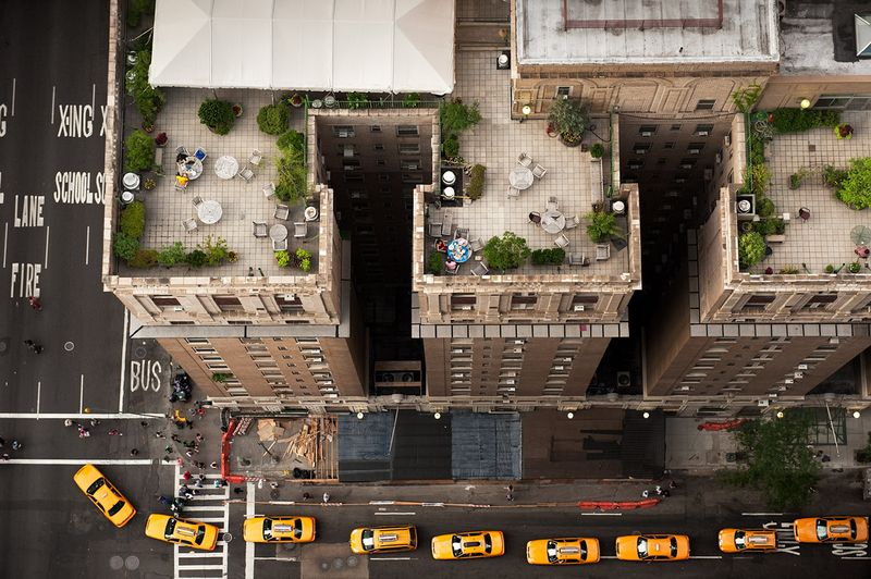 Looking-down-on-the-taxis