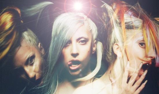 Gaga_mugler