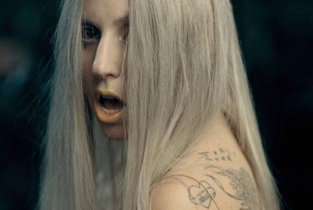 Gaga-you-and-i-holding